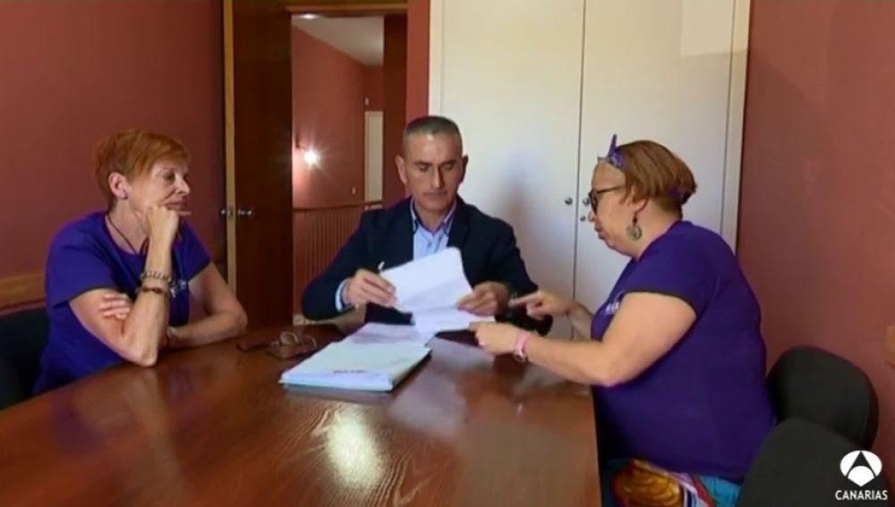 Denuncian despidos de camareras de piso como represalia