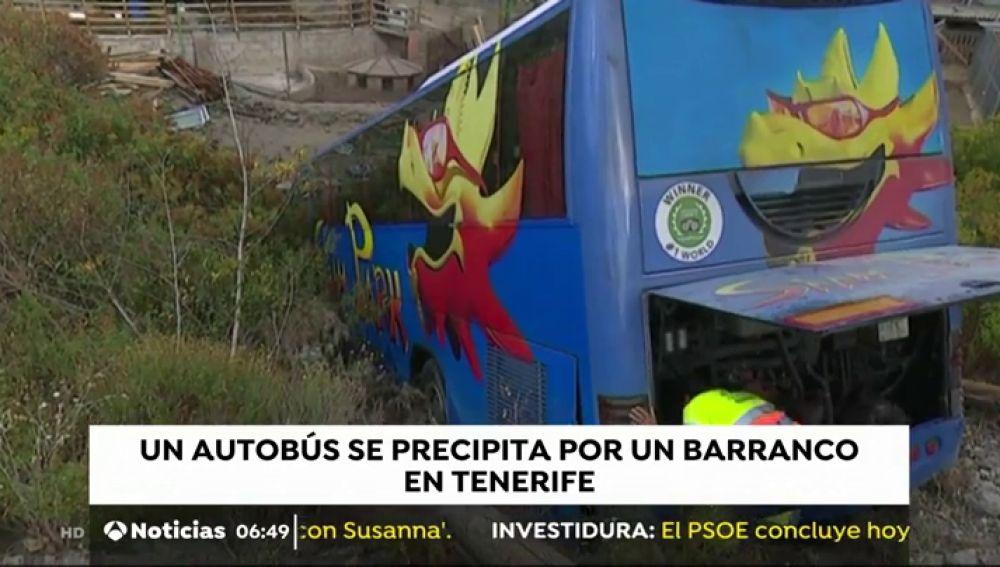 Autobús se precipita en Tenerife.
