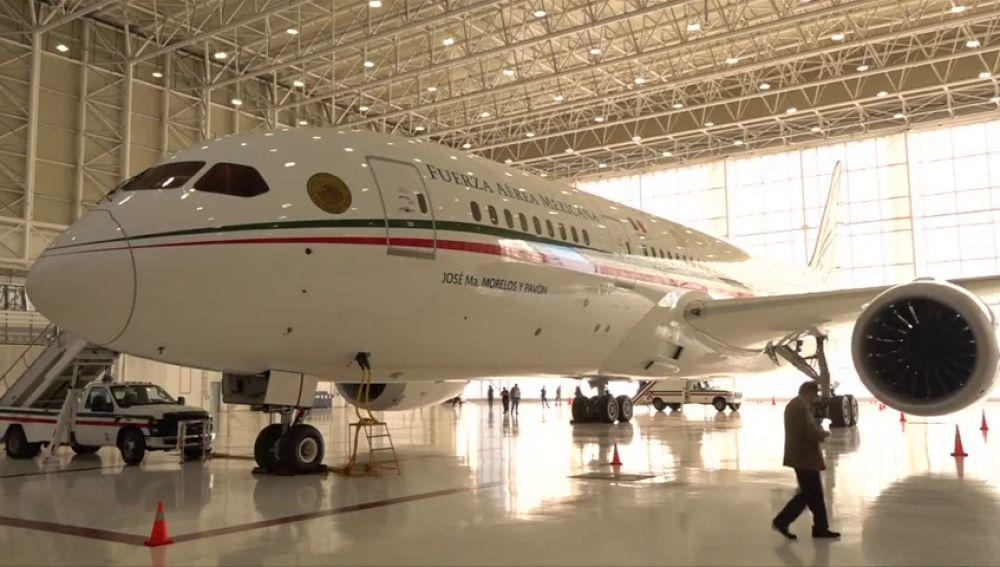 El presidente mexicano vende su avión para pagar el plan migratorio