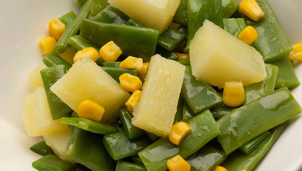 Ensalada de judías, patata y maíz