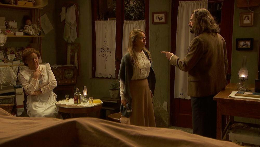 "Isaac se enfrenta a Antolina: ""Si vuelve a incordiar a Elsa, saldrás con los pies por delante"""