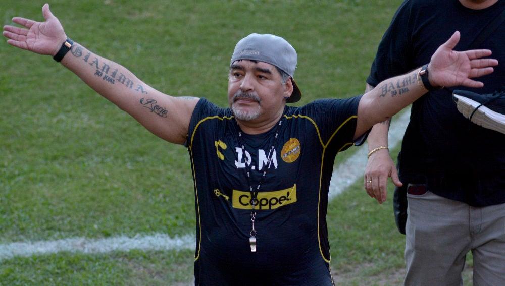 Maradona, durante un partido del Dorados