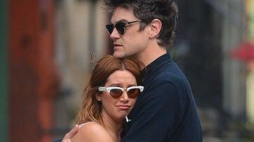 Ashley Tisdale y su marido Christopher French en Nueva York