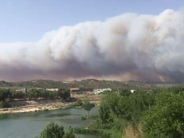 La Unidad Militar de Emergencias se suma a la extinción del incendio de La Torre de l'Espanyol