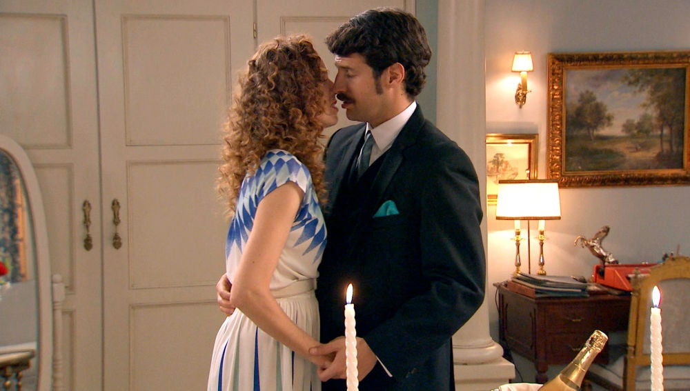 La romántica noche de Ana y Carlos, sin secretos