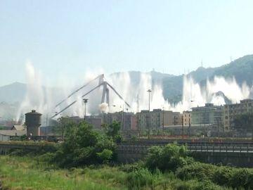 Así ha sido la demolición del puente del Génova
