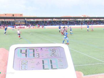 """Más de 40 grados de temperatura en el Socuéllamos vs Algeciras: """"No se puede soportar"""""""