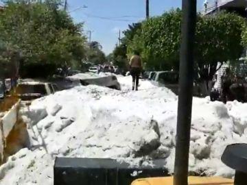 Una granizada cubre de hielo la ciudad mexicana de Guadalajara