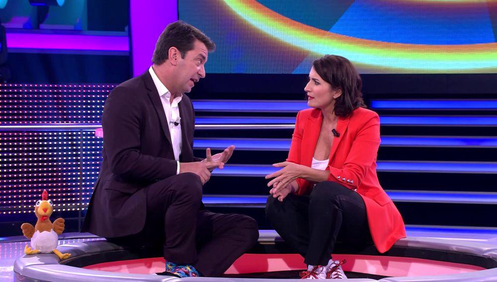 Arturo Valls pone deberes a Silvia Abril
