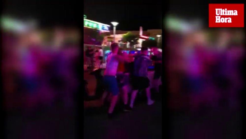 Turistas irlandeses se 'citan' para pegarse en Mallorca