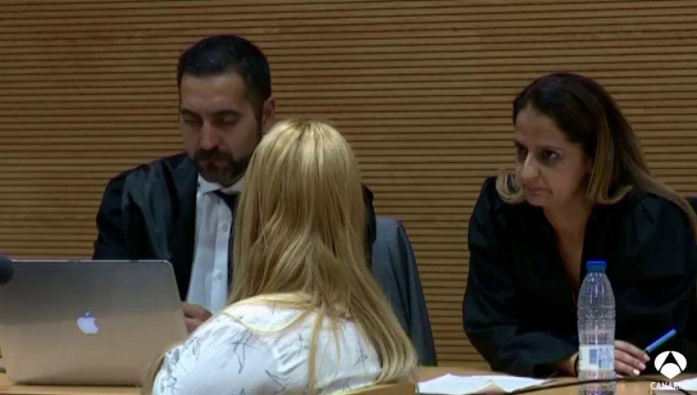 Se enfrenta a 37 años acusada de matar a su novio