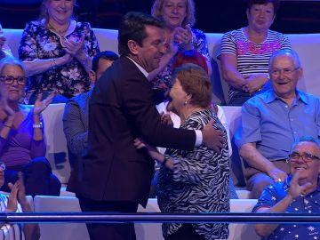Arturo Valls baila por fin con Palmira Go-go  en '¡Ahora caigo!'