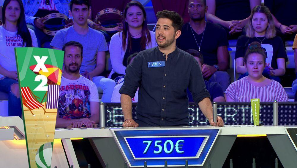 Un concursante dice dos consonantes en una sola tirada en  'La ruleta de la suerte'