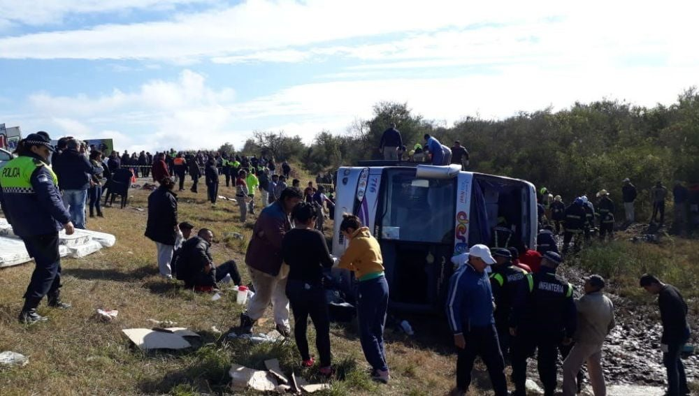 El autobús accidentado este lunes en La Madrid