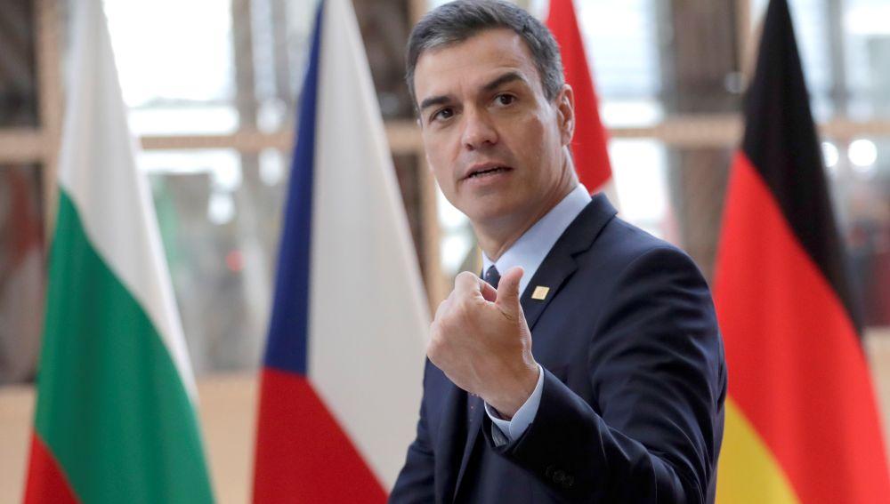 Sánchez afea a Rivera que no guarde un mínimo de decoro rechazando un nuevo encuentro