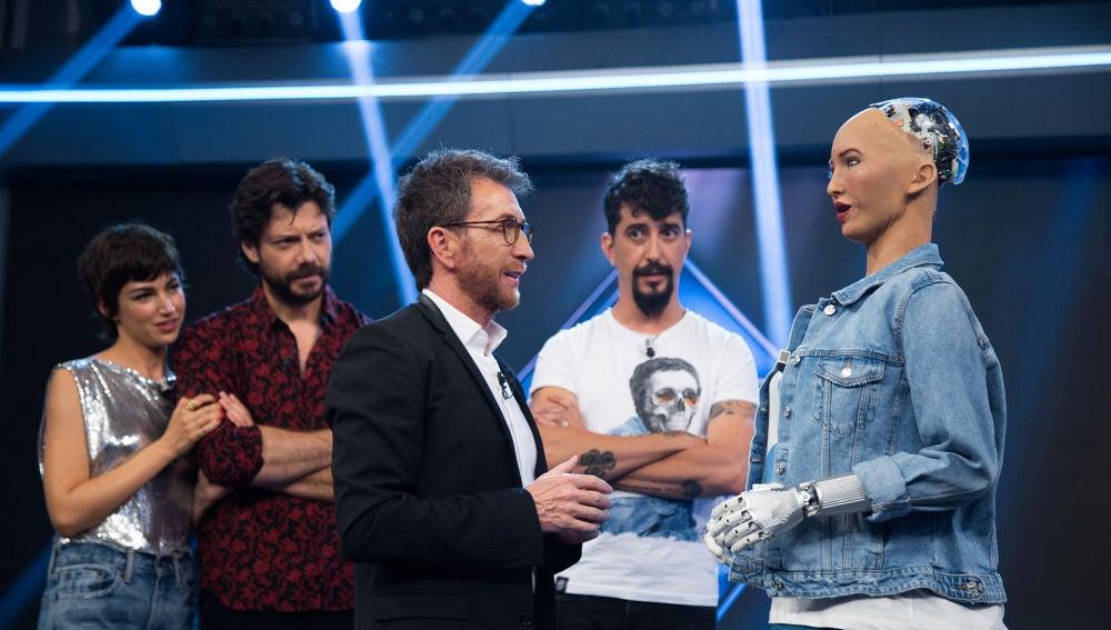 El robot humanoide Sofía, único en el mundo, llega al plató de 'El Hormiguero 3.0'