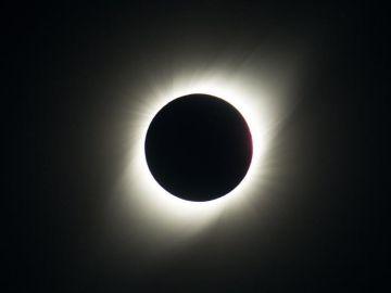 Asi se vio el eclipse solar total del 2 de julio