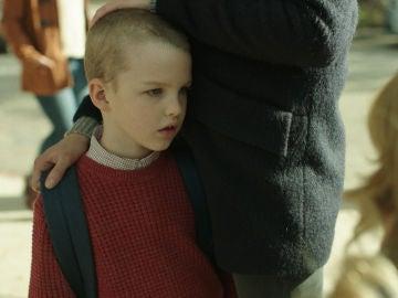 Renata amenaza a Ziggy en su primer día de colegio