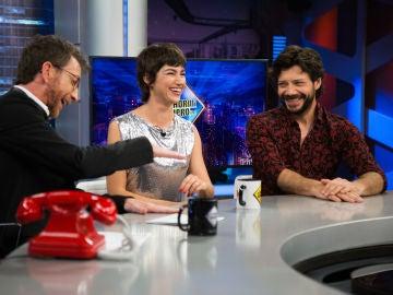 El spoiler sobre 'La casa de papel' que cuenta Pablo Motos: ¿Úrsula Corberó y Álvaro Morte pueden confirmarlo?