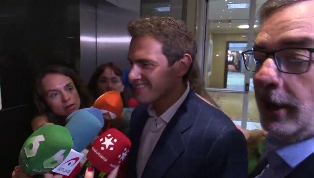 PP, Cs y Vox se sientan a negociar en Murcia