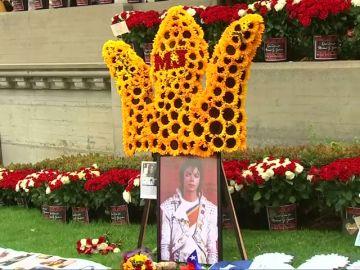 Un grupo de fans de Michael Jackson demandan a las presuntas víctimas del Rey del Pop