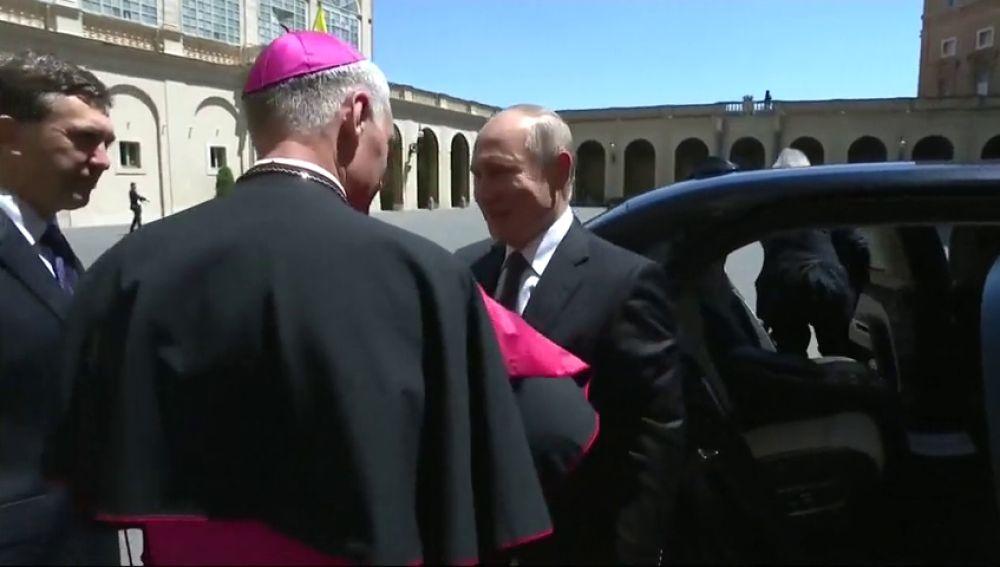 Putin relanza en Roma diálogo con Italia y se reúne de nuevo con el papa