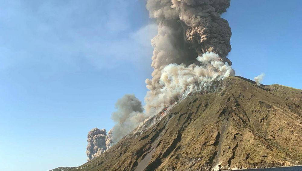 La actividad del volcán de la isla de Strómboli
