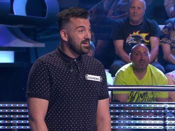 La arriesgada imitación de Manolo García a la que se atreve un concursante en '¡Ahora caigo!'