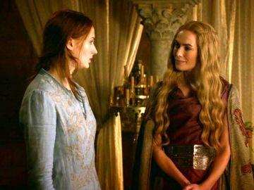 Sophie Turner y Lena Headey como Sansa y Cersei en 'Juego de Tronos'