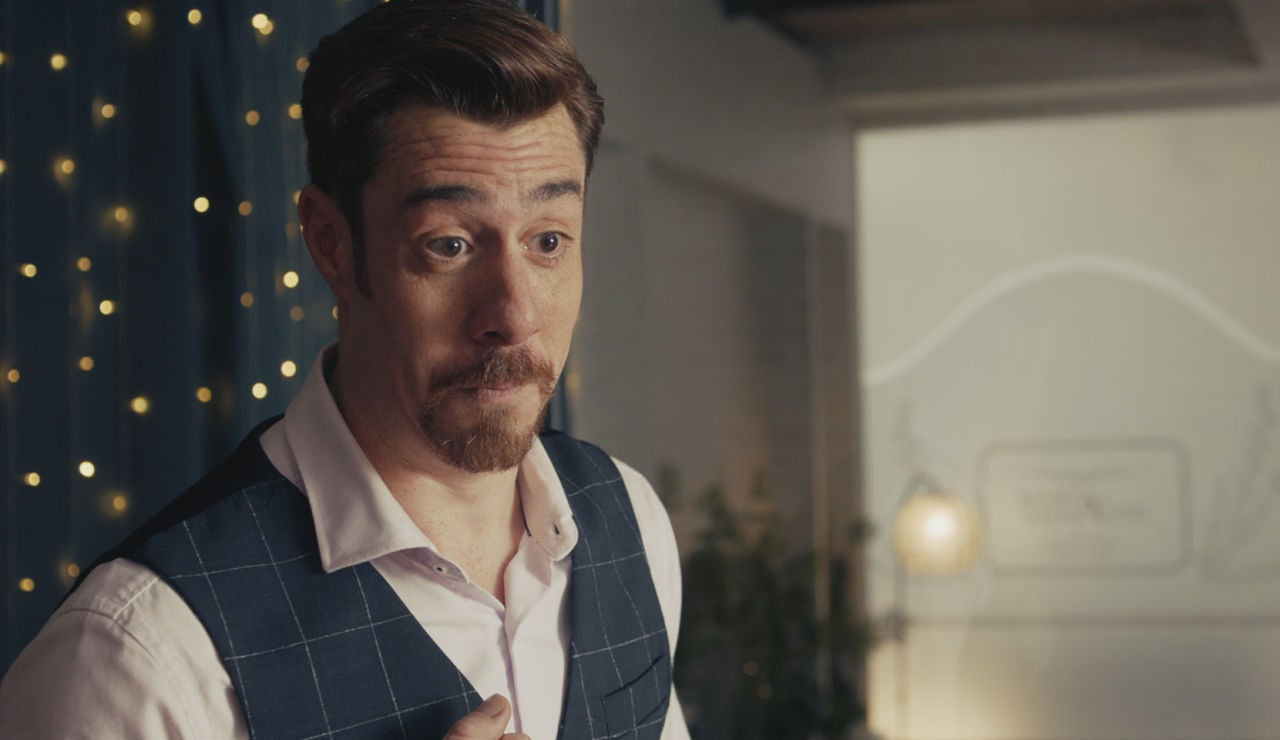Juan López-Tagle interpreta a Giovanni en 'Pequeñas coincidencias'