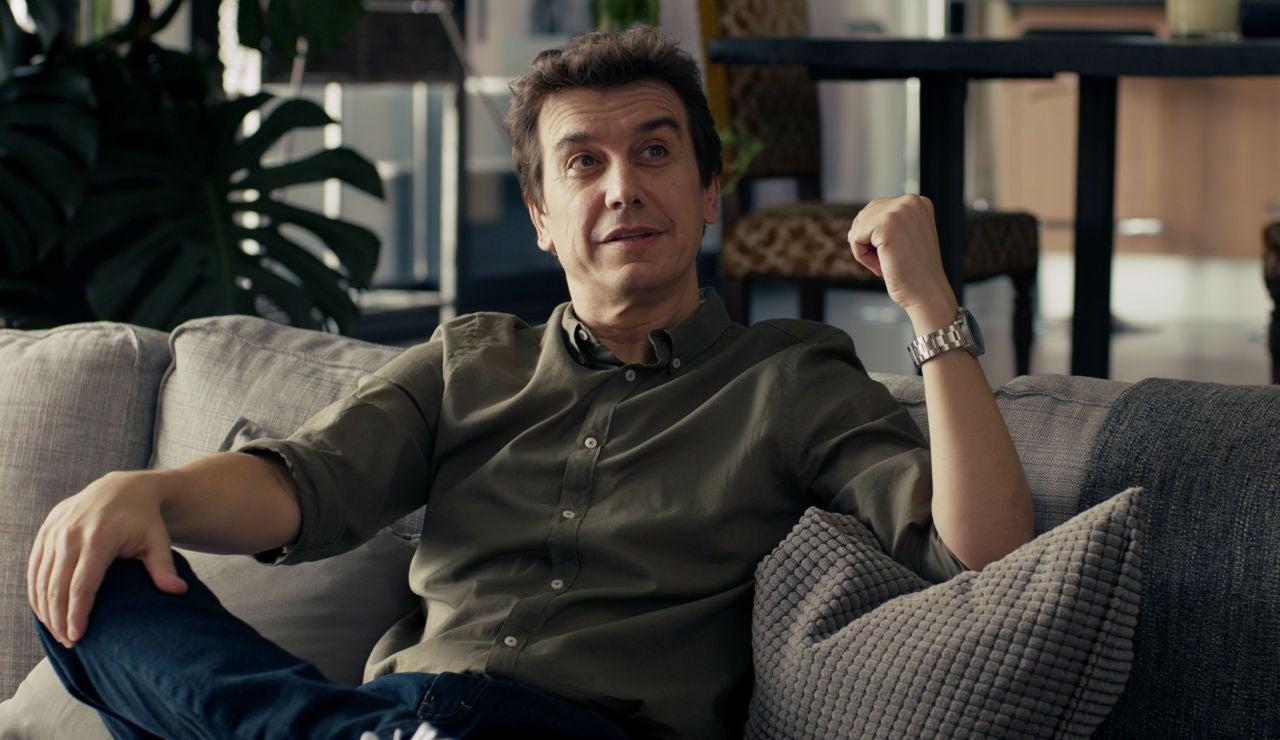 Javier Veiga interpreta a Javi en 'Pequeñas coincidencias'