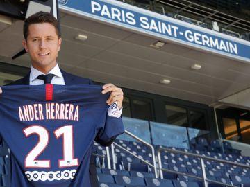 Ander Herrera ficha por el PSG