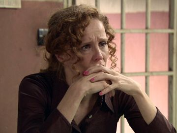 Carlos le confiesa a Ana que Gabriel se suicidó