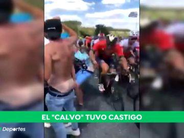 El viral 'cachetazo' de un ciclista a un aficionado durante el Tour de Francia
