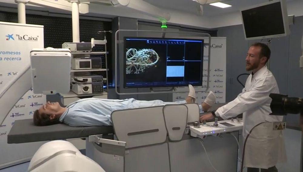 Vall d'Hebron estrena primer robot radiológico para servicios de endoscopia