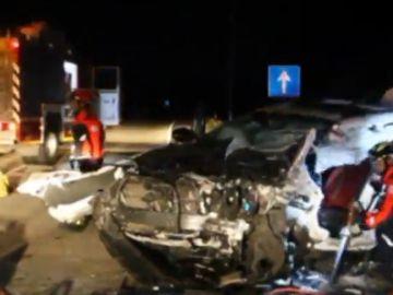 Un muerto y seis fallecidos en un accidente