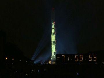 Estados Unidos recuerda al lanzamiento del Apolo 11 con una proyección en el obelisco Washington