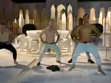 La brutal 'haka' de los Alls Blacks en plena Alhambra
