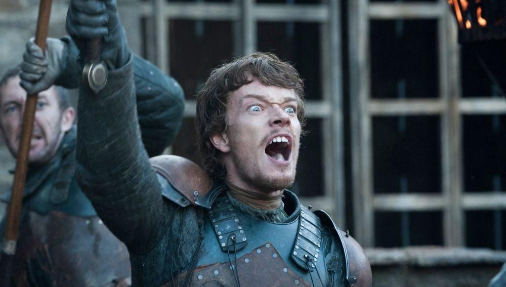 Alfie Allen como Theon en 'Juego de Tronos'