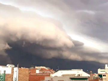 Fuertes lluvias y rachas de viento en Manresa