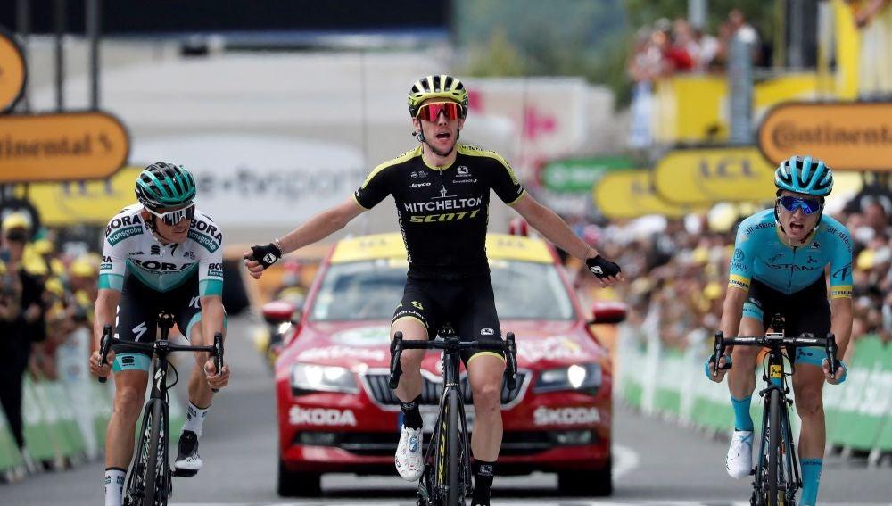 Simon Yates cruza la meta de la duodécima etapa del Tour de Francia