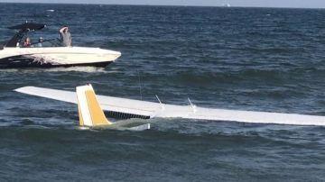 Una avioneta aterriza de emergencia en la orilla de una playa de Maryland