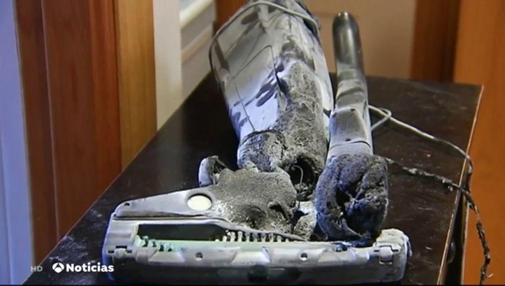 La explosión de la batería de un aspirador provoca un incendio en una vivienda de Rioseco