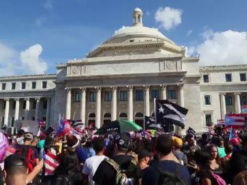 Puerto Rico sale a la calle en una masiva protesta para exigir la salida de su gobernador