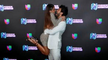 Tini Stoessel y Sebasitan Yatra derrocharon amor en los Premios Juventud