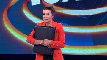 Silvia Abril, pegada al maletín de los 100.000 euros de '¡Ahora caigo!'