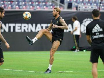 Sergio Ramos en el entrenamiento previo al partido