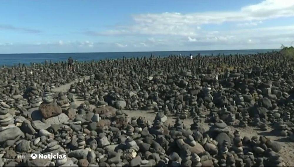 Tenerife quiere parar los túmulos levantados en sus playas