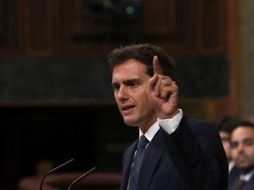 Albert Rivera en su intervención en el debate de investidura de Sánchez