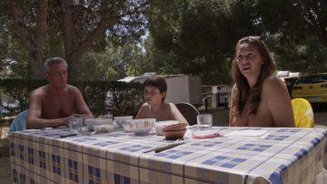 Nos colamos en un camping nudista de Tarragona